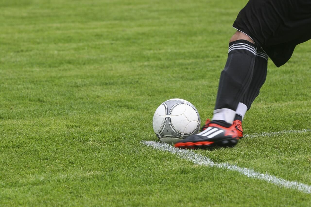 Personalizacja butów do gry w piłkę nożną w XXI wieku