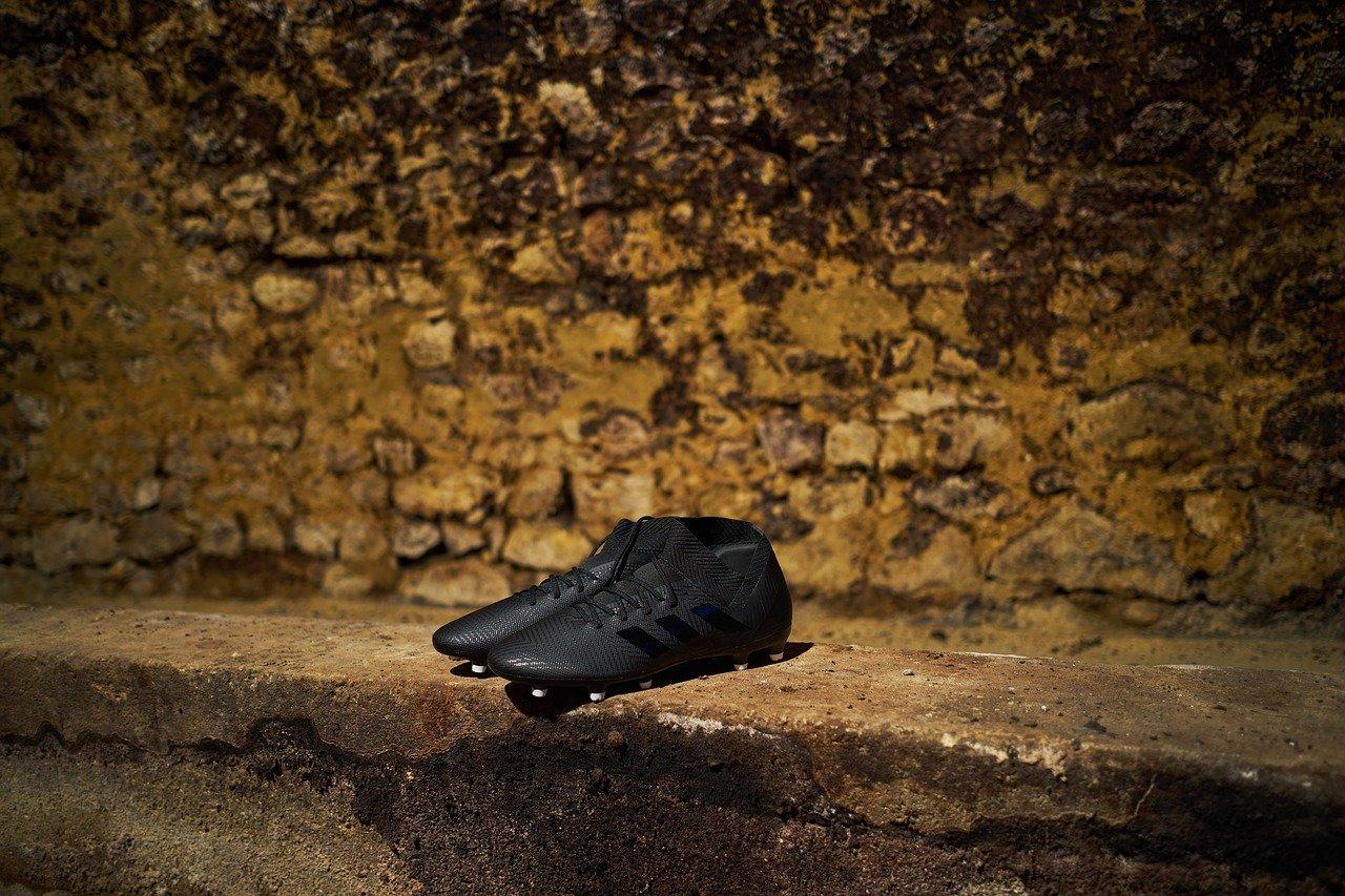 Jak dobrać rozmiar butów piłkarskich